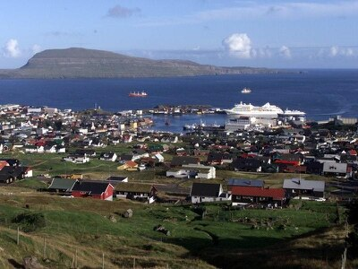 Faroes to shut to tourists for weekend – but 100 can stay free to aid clean-up