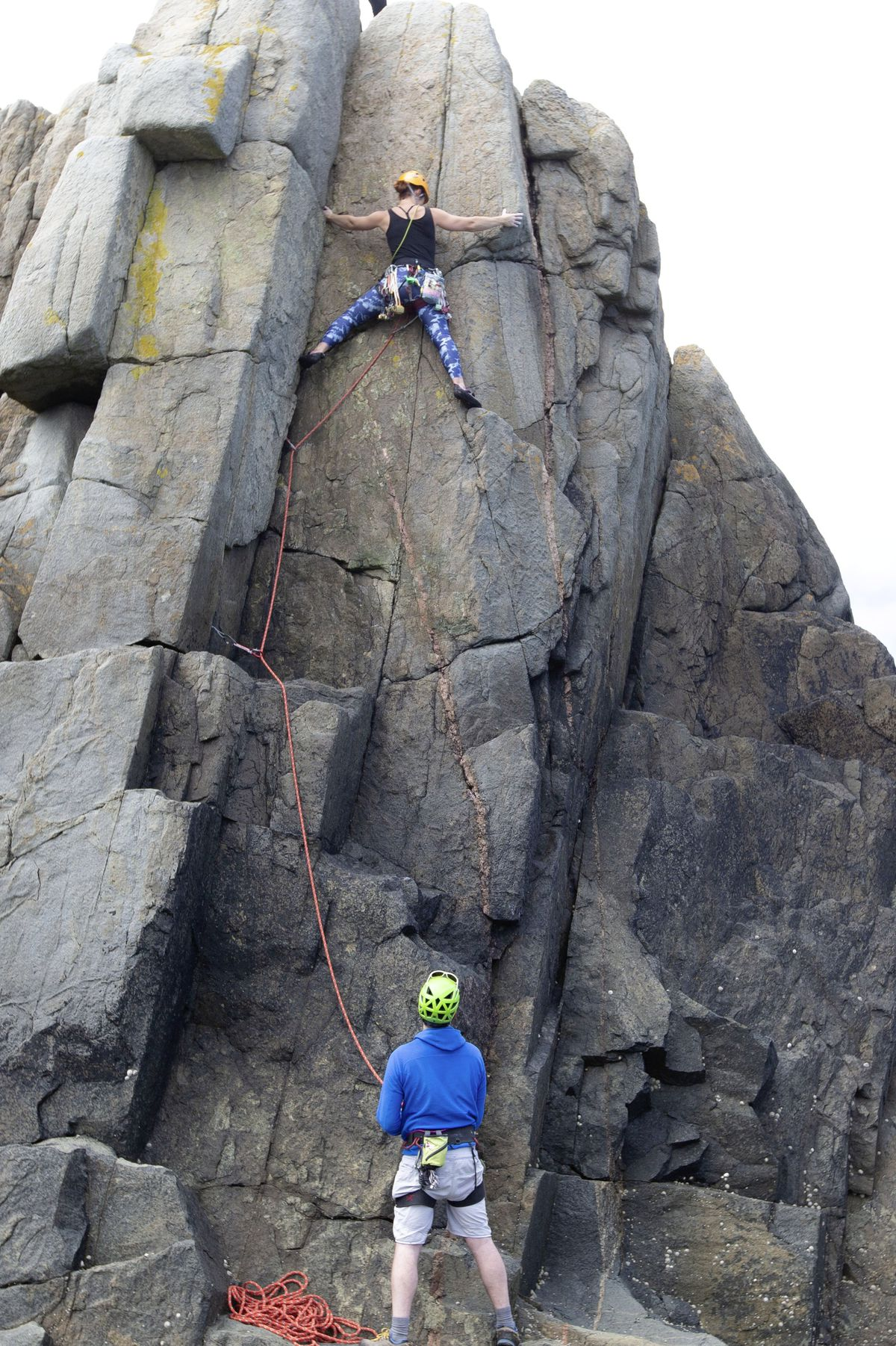 Chris Harvey watches as Nicky Pledger completes her first climb.  (Picture by Cassidy Jones, 29723946)