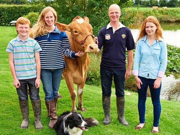 Suffolk family to become Sark's new dairy farmers
