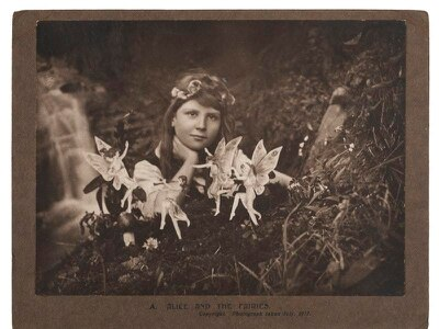 Fairy hoax photographs sell for more than £20,000 at auction