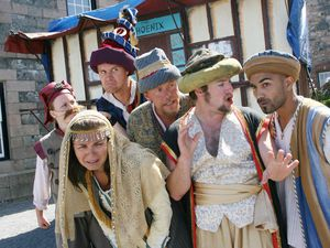 Pic by Adrian Miller 10-08-07..Castle Cornet ..Oddsocks Theatre Company..Comedy of Errors cast-plug for show which starts on Saturday 11th August..L>R Kerry Steed, Polly Banwell, Marc Peachey, Robert Laughlin, Andrew McGillan and Kee Ramsorrun. (29480926)