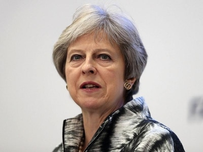 May bows to pressure from Tory Brexiteers over customs plan