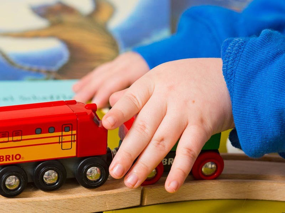 Families with young children 'facing steep rise in poverty'