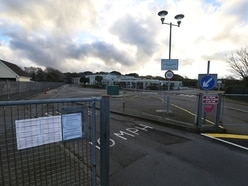 Extensions to 11-18 schools before new La Mare Primary