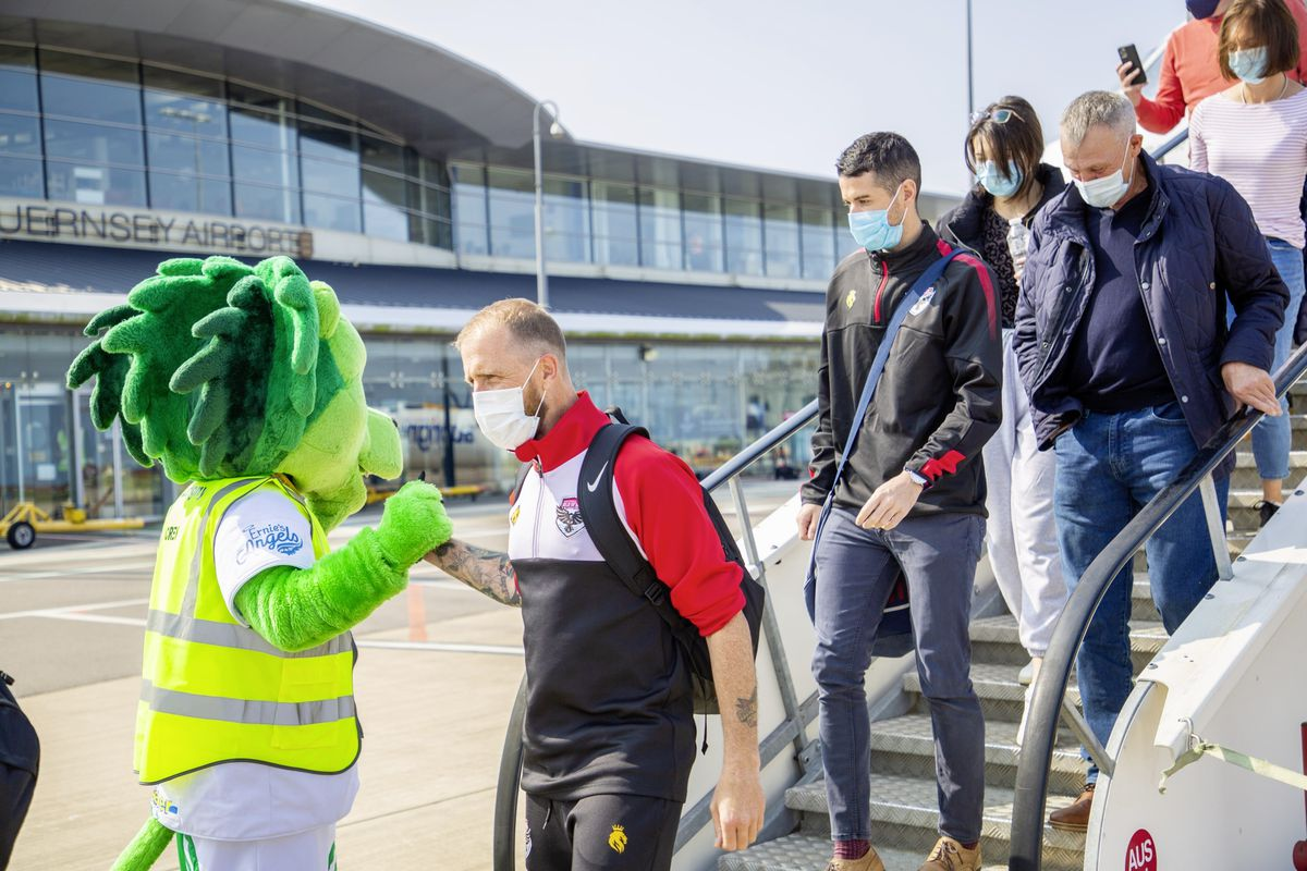 A Roary welcome to Guernsey for FC Isle of Man goalkeeping coach Dan Wade. (Pictures by Sophie Rabey, 28678577)