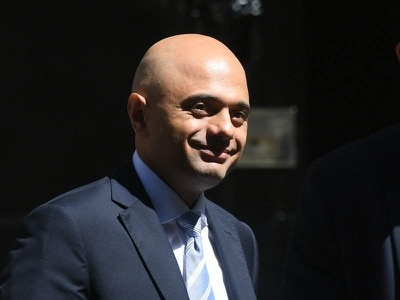 Everyone is finishing Sajid Javid's 'pocket tweeted' post on Twitter for him