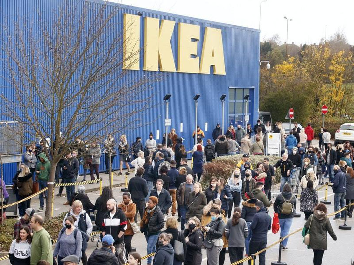 Ikea scraps catalogue amid rise of online shopping
