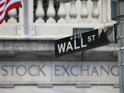 Industrials companies drive US stock indexes mostly higher
