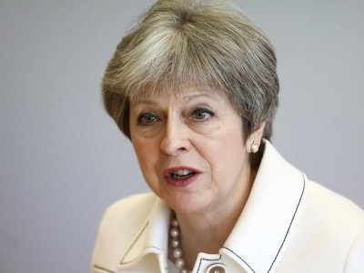 Theresa May faces fresh Brexit battles over customs union plan