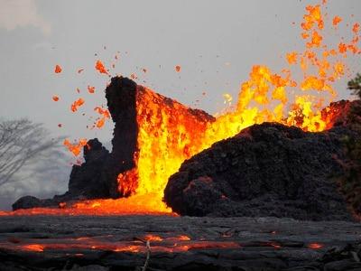 Three lava flows reach coast as volcanic eruption batters Hawaii