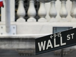 Dip in technology stocks sees Wall Street momentum halted