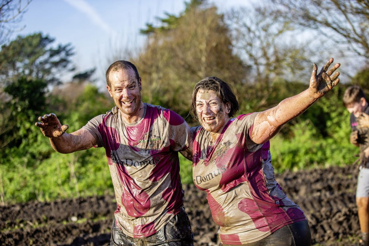 Picture by Sophie Rabey.  29-11-20. Muddy Cow Fun Run Vazon/Grande Mare. Mike and Helen Miller (28963036)