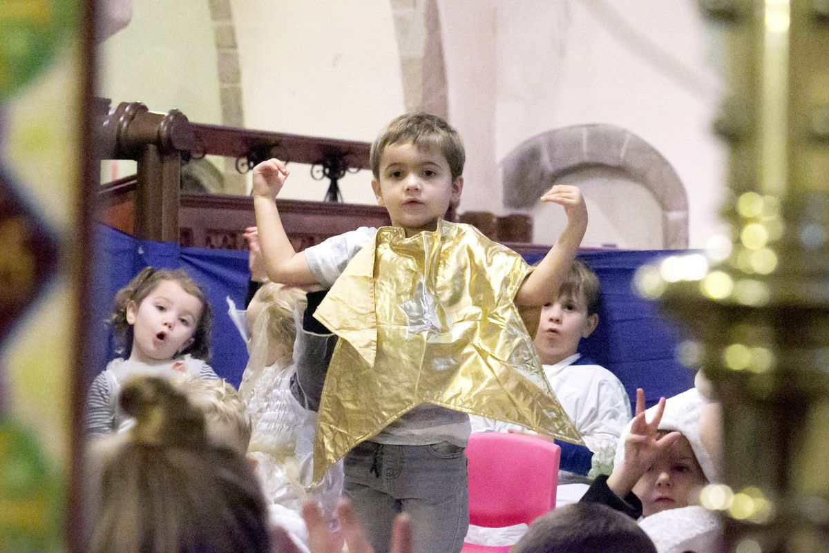 Little Buttons Christmas nativity rehearsal promoting good reading habits and sign language. Star of the show here is Leo. (Picture by Adrian Miller, 28975677)