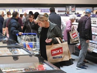 Hundreds queue as Tesco opens first Jack's discount stores