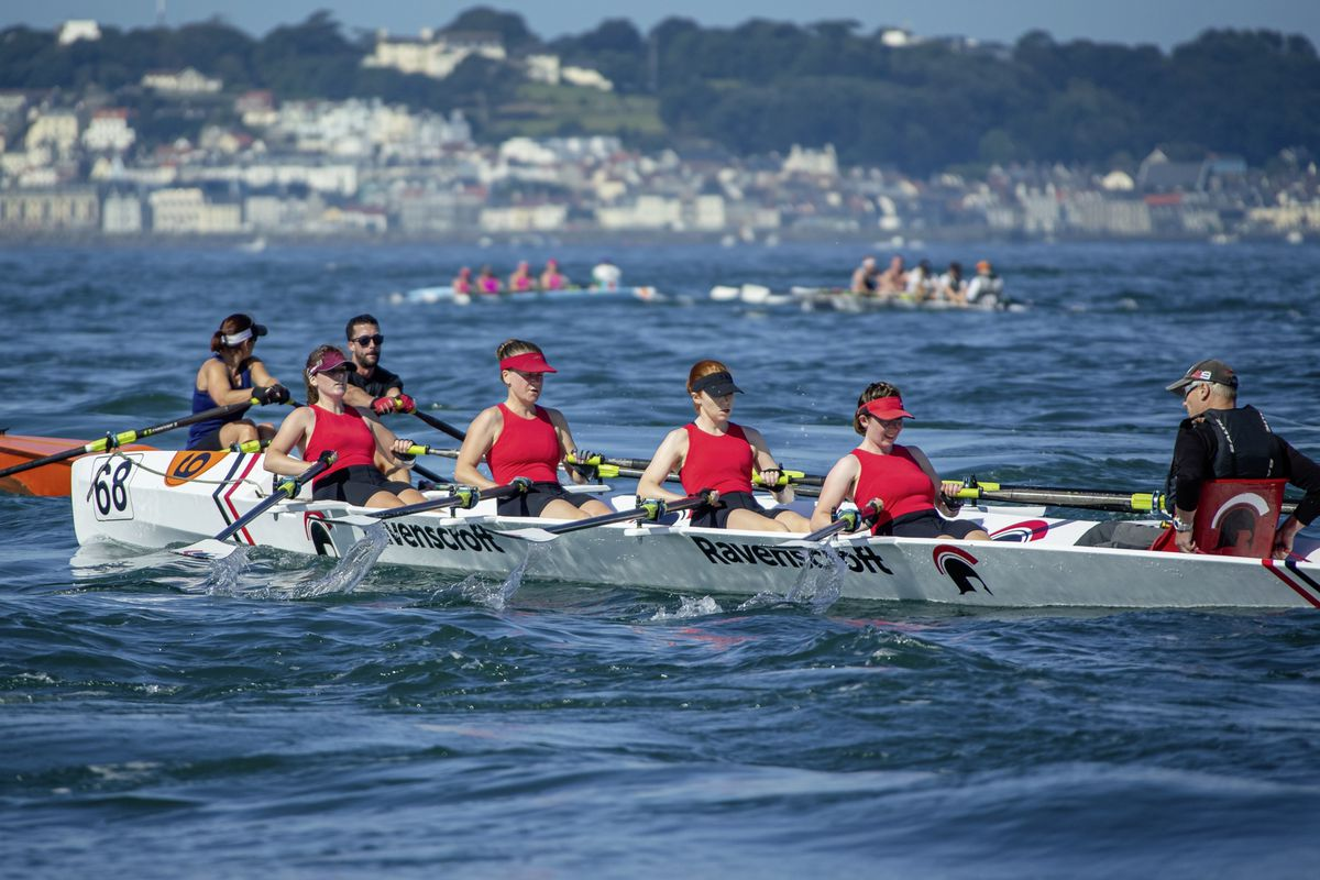 Ravenscroft women's quad battle with mixed double Marc & Dani. (Picture by Martin Gray, 29875834)