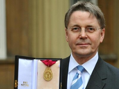 Top civil servant Sir Jeremy Heywood takes time off for cancer treatment