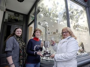 Picture By Steve Sarre 18-12-18 Town Wink  The Jewlers Wink have one the St Peter Port Christmas Decorated window comptition 2018  L-R Lucy Sweet, Lizzie Jarrold and Jax Robin (23419828)