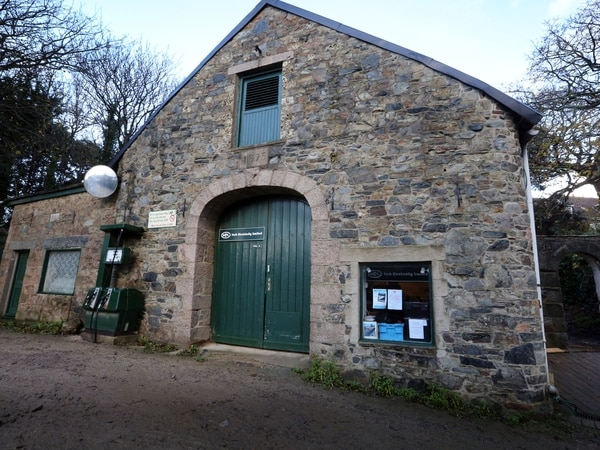 Sark legal bill of £171k for electricity price war