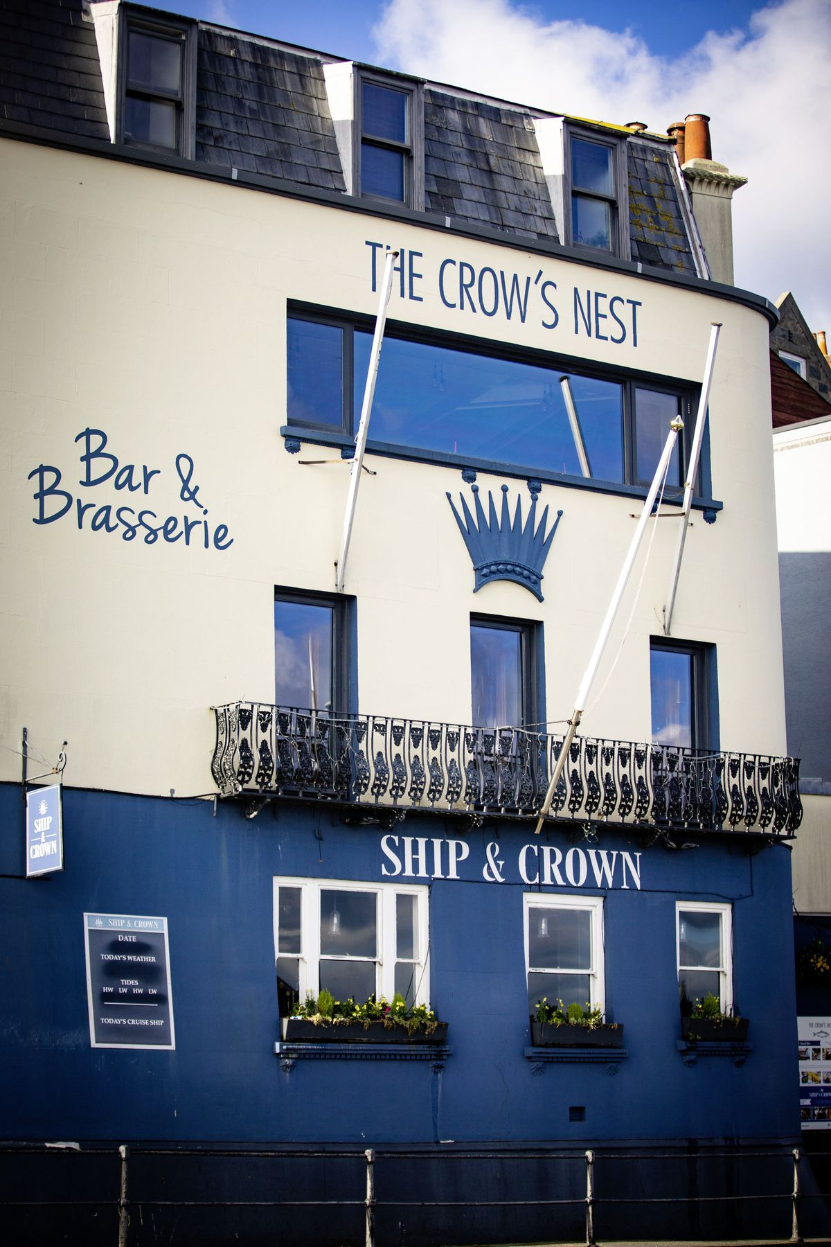 The Ship & Crown and The Crow's Nest. (29154805)