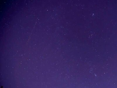 Stunning timelapse footage shows Geminid meteor shower lighting up sky