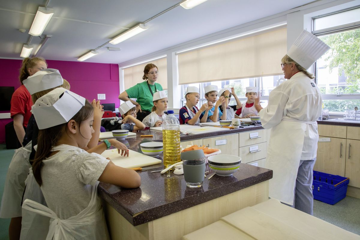 Picture by Sophie Rabey.  05-08-19.  Youth Commissions Summer Playscheme is focusing on teaching children to eat well and learn more about sugar intake.. (25436934)