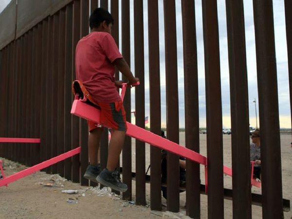See-saws at US-Mexico border win UK design prize