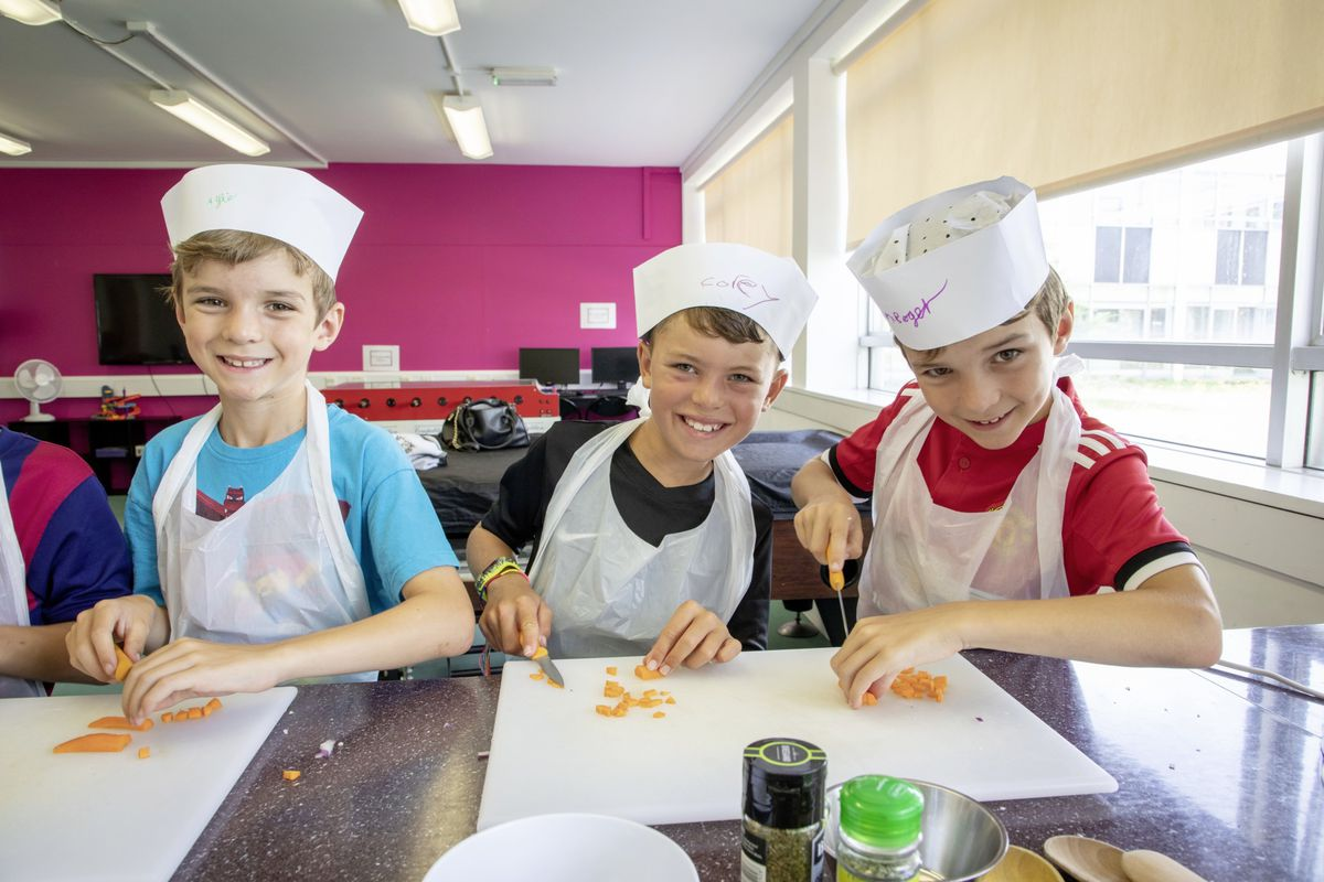 Picture by Sophie Rabey.  05-08-19.  Youth Commissions Summer Playscheme is focusing on teaching children to eat well and learn more about sugar intake.  L-R - Alfie Roger, Corey Henry and Max Roger.. (25436942)