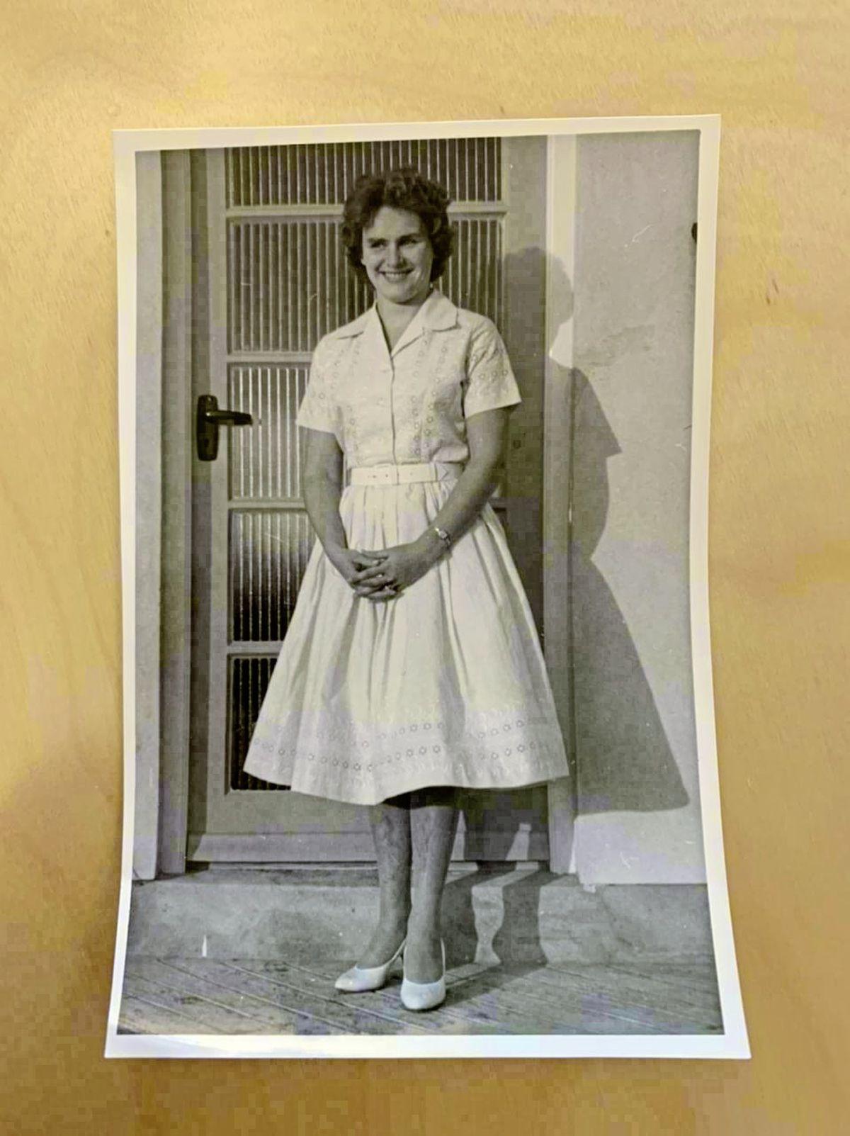 20-year-old Elizabeth Laine [nee Le Tissier]. (29447239)