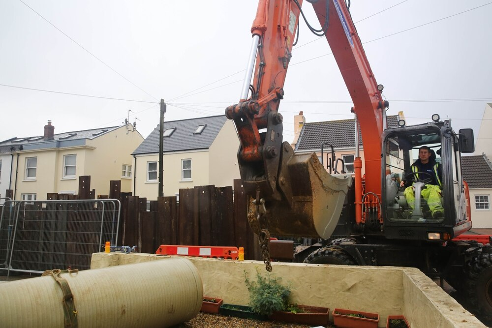 Work to extend sewer network could restart in a few years | Guernsey
