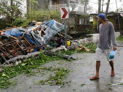 Deadly typhoon heads for Hong Kong and southern China after ravaging Philippines