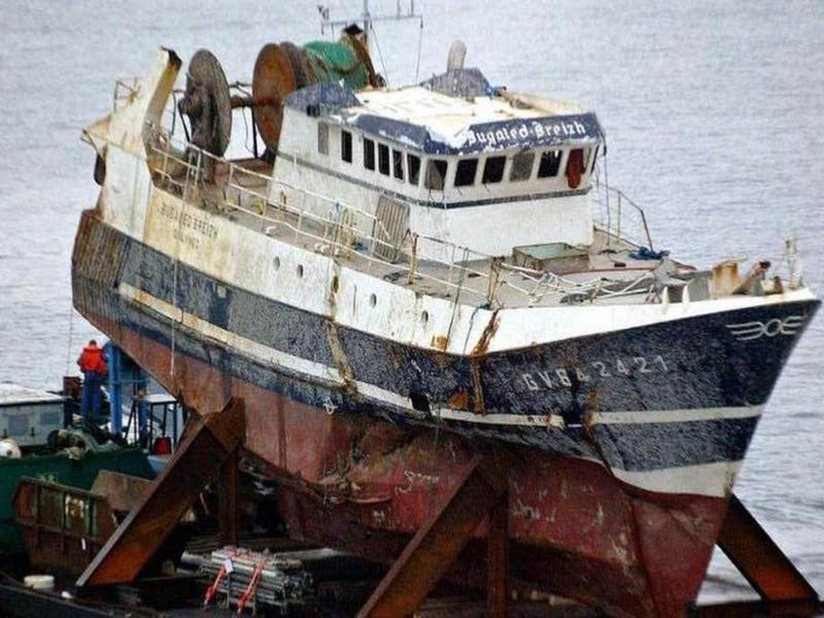 French trawler sinking probably caused by entangled fishing gear, inquest hears