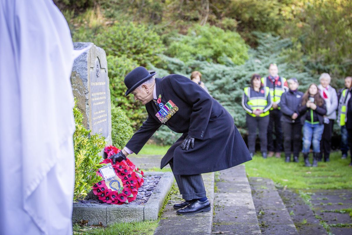 Picture by Sophie Rabey.  29-11-20..The Royal Guernsey Light Infantry Memorial Day Service at the Sunken Gardens..Mr Bob Place MBE.. (28962925)