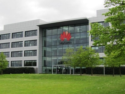Huawei poses new risks to UK telecom networks, says government