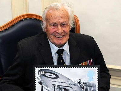 Geoffrey Wellum: Teenage Spitfire pilot who became one of the illustrious Few