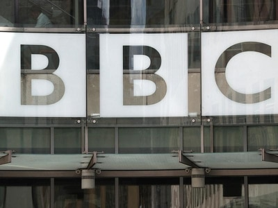 Johnson 'looking at' abolishing BBC licence fee