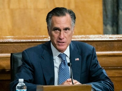 Romney backs voting on Supreme Court nominee in boost for Trump