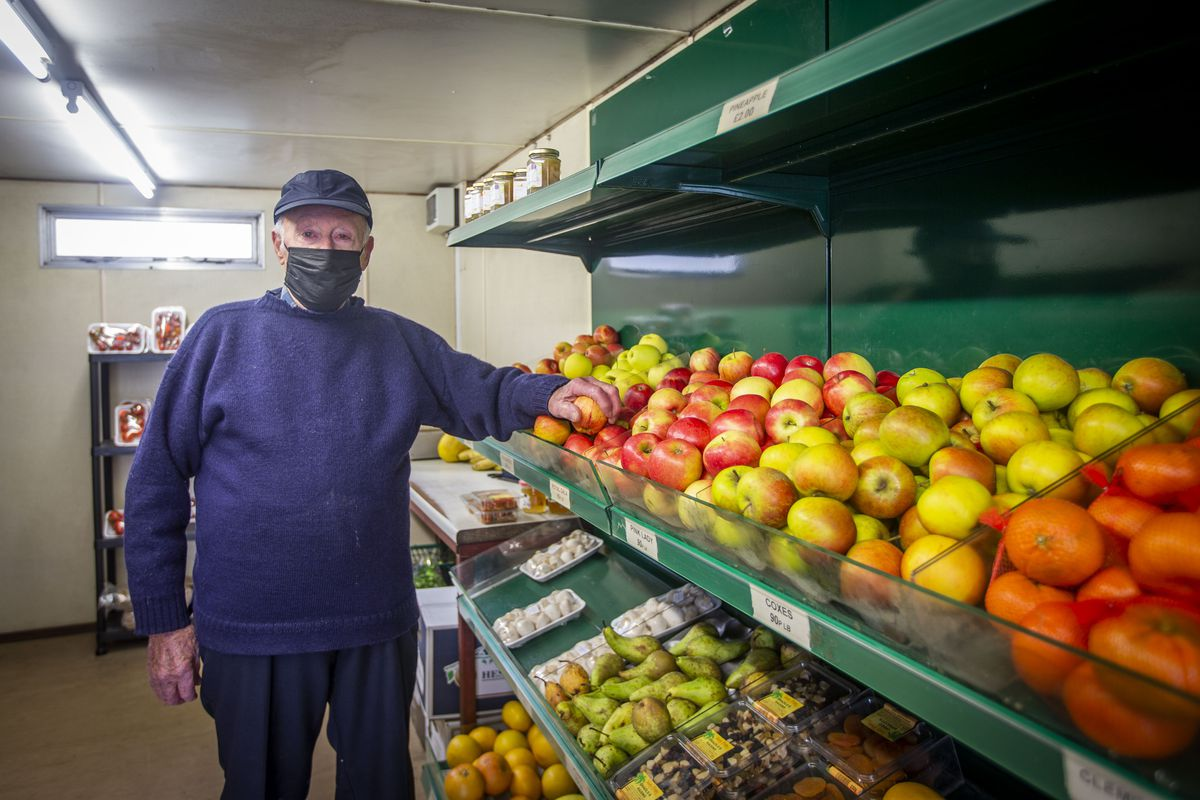 Clary Lesbirel is 93 and has been working throughout lockdown to provide people with fresh fruit and veg. (29307839)