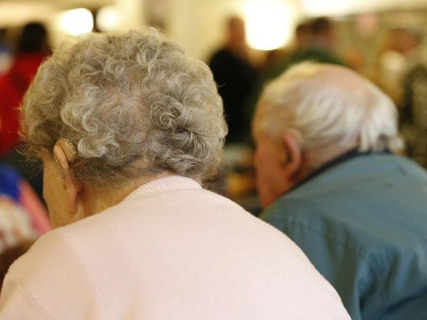 Staff-to-resident transmission in care homes 'more significant' – Sage