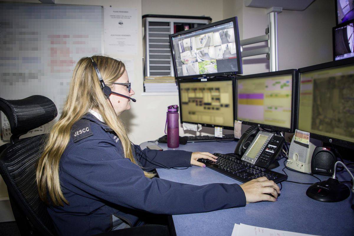 Picture by Sophie Rabey.  13-10-20..A day in the life of JESCC at the Police Station.  Joint Emergency Services Control Centre..Kayleigh Luxton. (28810345)