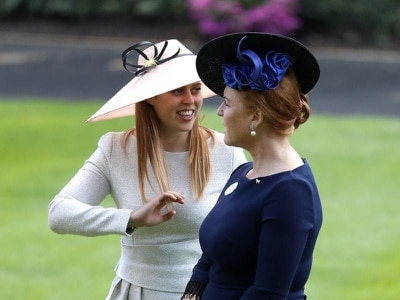 Queen chats with Sarah, Duchess of York during Royal Ascot