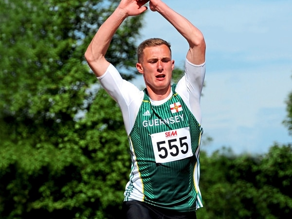 Kelly jumps to fourth in island all-time list