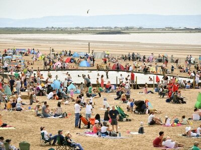 Heatwave could bring UK's hottest temperature of year