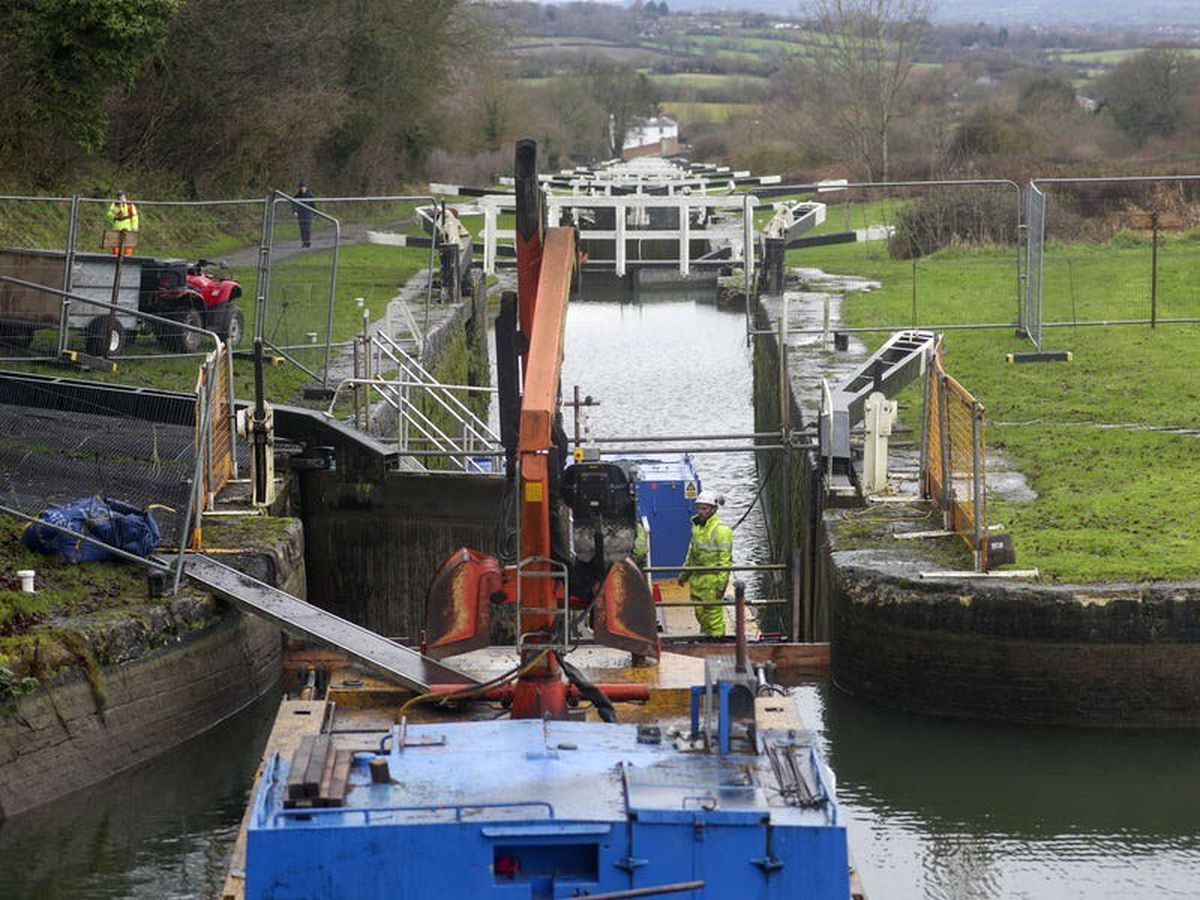 Major works begin at Caen Hill Flight on Kennet and Avon Canal