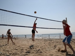 In Pictures: Life on the beach as Britain basks in Easter weekend sunshine