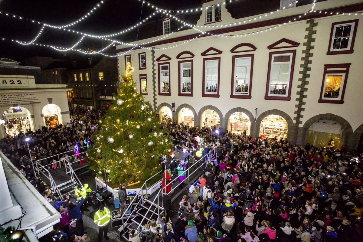 Father Christmas greets children and turns on the Christmas lights in Market Square. (28937300)