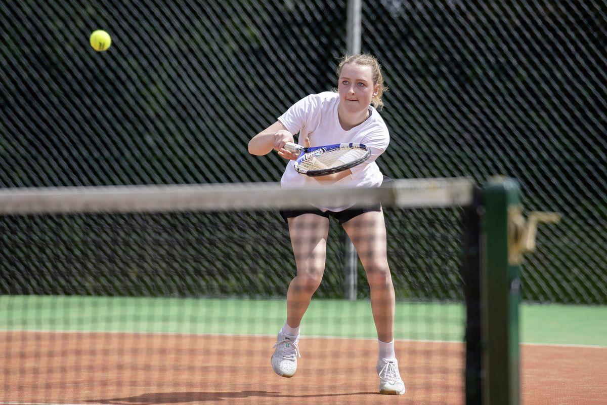Women's singles winner Imogen Wegerer. (Picture by Andrew Le Poidevin, 29626830)