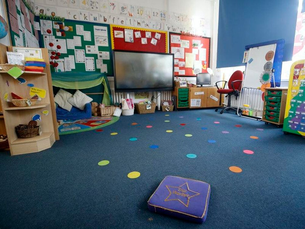 Unions question United Kingdom  government's plan to reopen schools