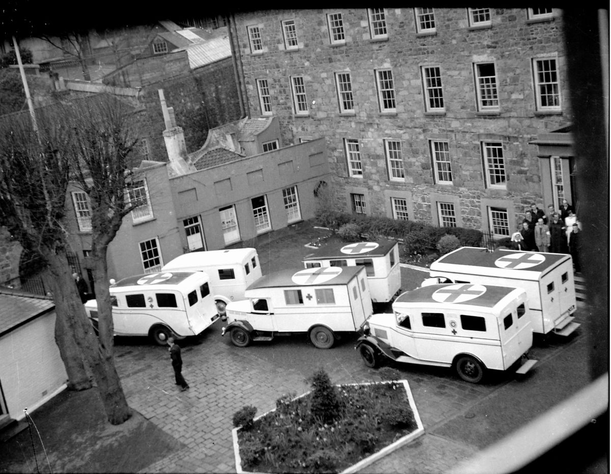 Six ambulances at Town Hospital for gunnery practice. (Picture copyright of Gary Blanchford )