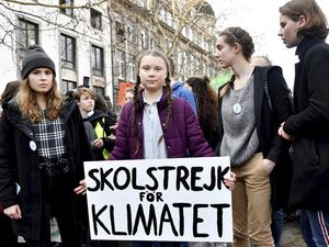 Swedish climate activist Greta Thunberg, centre, during a climate march in Brussels (24032322)
