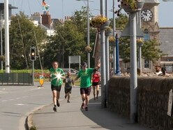 Half marathon fundraiser by top politician
